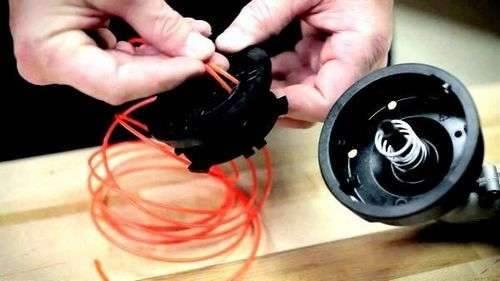 Как вставить леску в электрический видео триммер