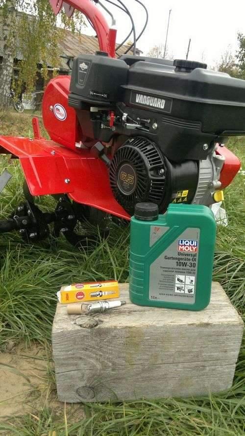 Какое масло можно залить в газонокосилку