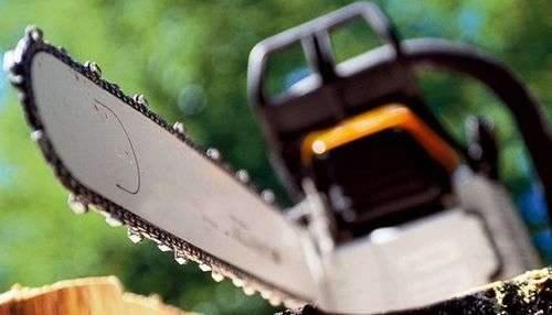 Разведите масло бензином для пропорций газонокосилки.